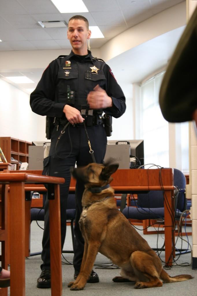 Deputy Wolf brings in K9 dog for a presentation – Kaneland Krier