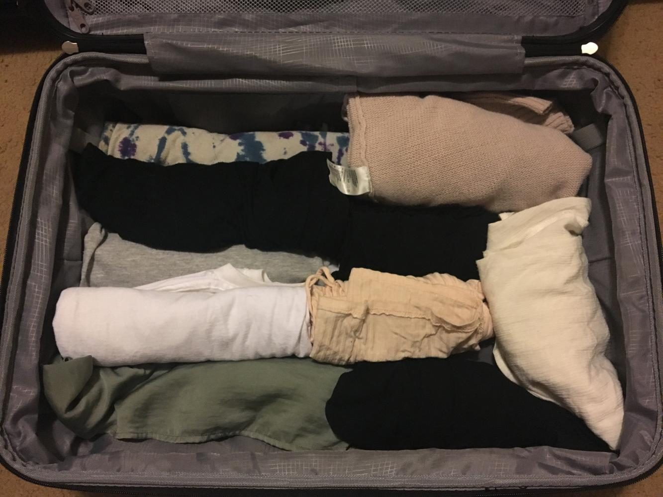 How to Stay Neat While Traveling