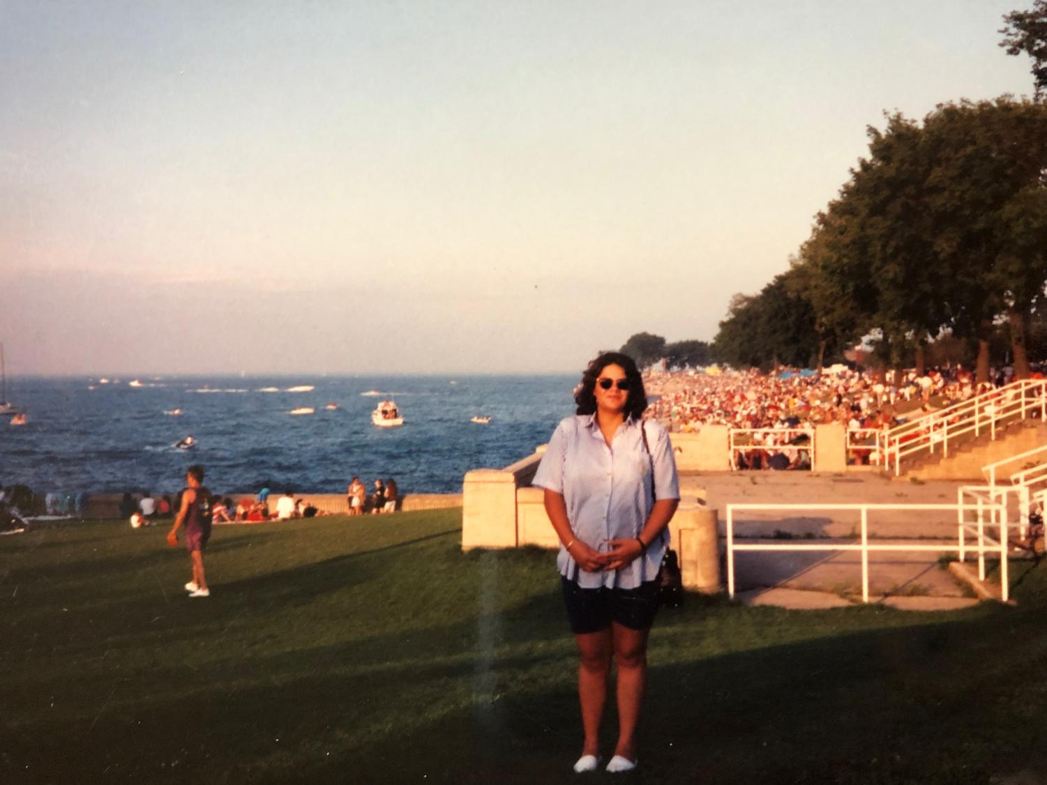 After obtaining her visa card and immigrating to the U.S. in 1992, Arcelia Salinas visits The Shedd Aquarium in Chicago.